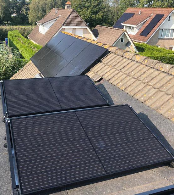 Zonnepanelen plat dak of schuin dak?